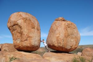 اكثر 10 صخور غريبة حول العالم