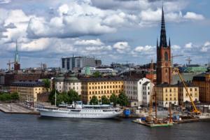تعلم كيفية تقديم طلب الهجرة إلى السويد