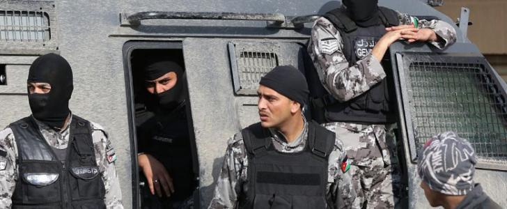 أعمال شاقة والسجن لخلية تابعة لداعش في الاردن