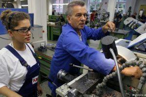 العمل في المانيا وما يواجهة من مخاطر على العامل وصاحب العمل