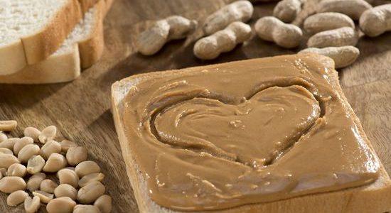 تعلم طريقة تحضير حلوى زبدة الفول السوداني والشوكلاته