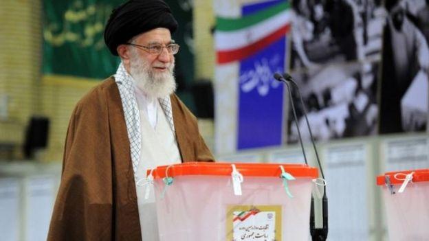 96127362 2 - إقبال قوي على التصويت في الانتخابات الإيرانية