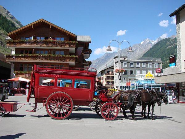 Matt Matt is car free e1495751367261 - بالصور أفضل خمس أنشطة سياحية في سويسرا