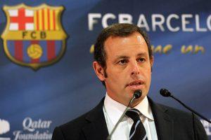 الشرطة الإسبانية توقف رئيس نادي برشلونة السابق ساندرو روسيل بقضايا فساد عدة