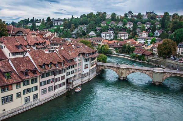 bern e1495751666212 - بالصور أفضل خمس أنشطة سياحية في سويسرا