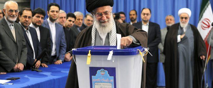 إقبال قوي على التصويت في الانتخابات الإيرانية