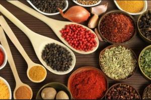 هذة البهارات تساعد في حرق الدهون في الجسم أضيفوا رشّة منها على أطباقكم