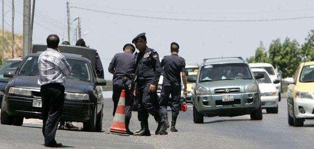 بالفيديو التهجم على رجال الامن العام على طريق اربد- عمّان