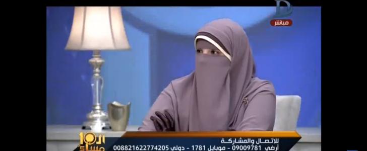 بالفيديو خناقة وتراشق بالالفاظ على الهواء مباشرة فى العاشرة مساء بسبب مناقشة مشروع قانون حظر النقاب