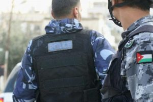 الأمن العام يلقي القبض على 118 شخص يتسكعون أمام مدراس في عّمان