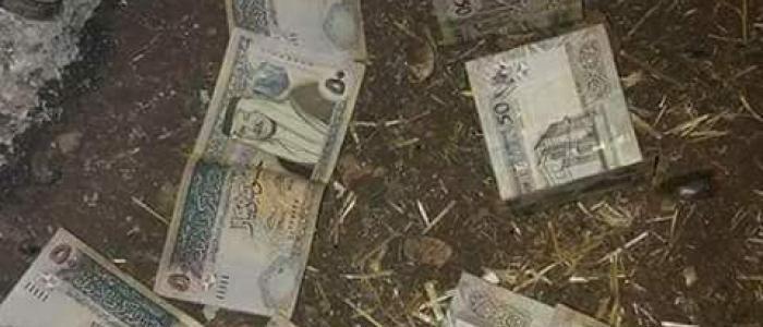 بالصور العثور على ملايين الدنانير في سيل عراق الأمير بمنطقة وادي السير