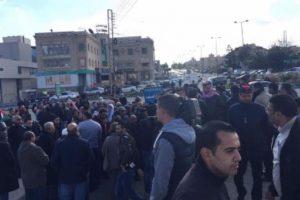 الاجهزة الأمنية الأردنية تغلق جميع الطرق المؤدية الى مبنى السفارة الأمريكية في عمّان – صور