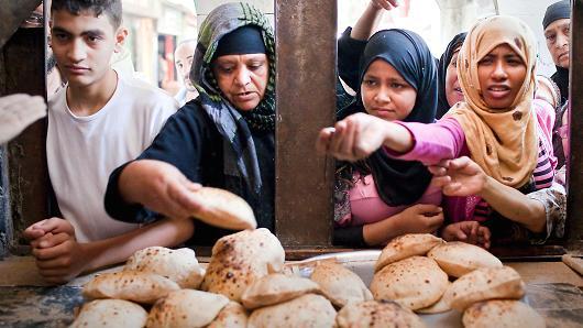المبلغ المستحق للفرد سنوياً من دعم الخبز إليك التفاصيل