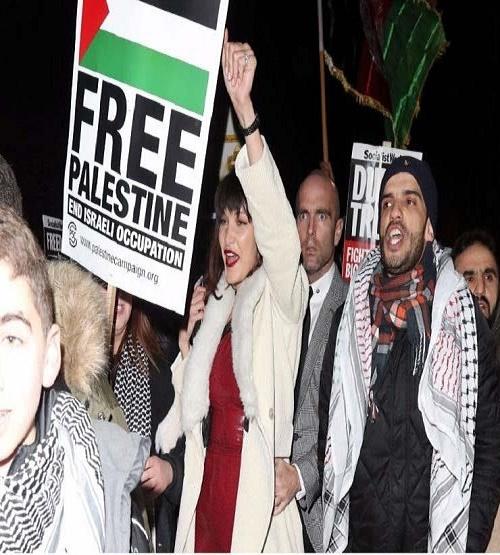 بيلا حديد تنضم إلى مظاهرة في لندن من أجل القدس بعد إعلان ترامب المجحف