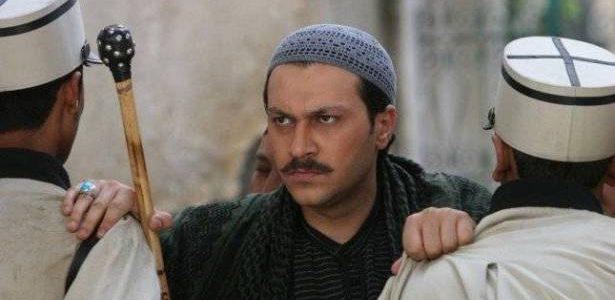 تفاصيل جديدة عن عودة الفنان السوري وائل شرف الملقب بمعتز