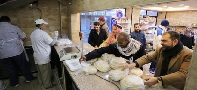 إنخفاض في استهلاك مادة الخبز بعد اعلان وزارة الصناعة التجارة والتموين إرتفاع سعرة