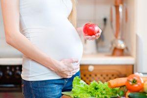 أسباب متعددة لإصابة الحامل بالإمساك