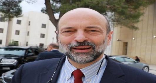 الدكتور عمر الرزاز يطمئن على الطالبة مادلين