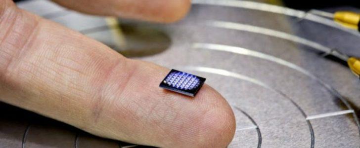 جهاز كمبيوتر أصغر من حبة الملح