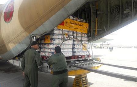 مساعدات مغربية  تصل إلى مصر لإرسالها إلى قطاع غزة
