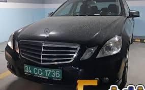 العثور على سيارة تحمل لوحة دبلوماسية تعود للقنصلية السعودية في مرآب