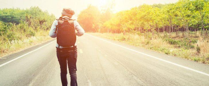 المشي في الطريق في المنام وتفسير حلم الطريق