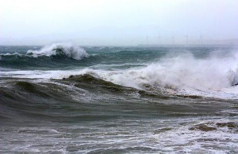 تفسير حلم امواج البحر القويه